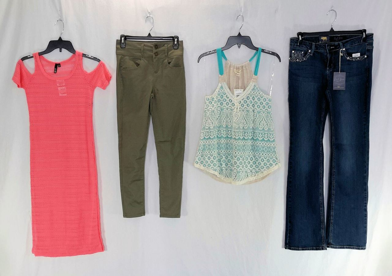 Wholesale Smaller Lot of 75 High End Juniors Apparel CLOTHING Manifested Brand New Mixed