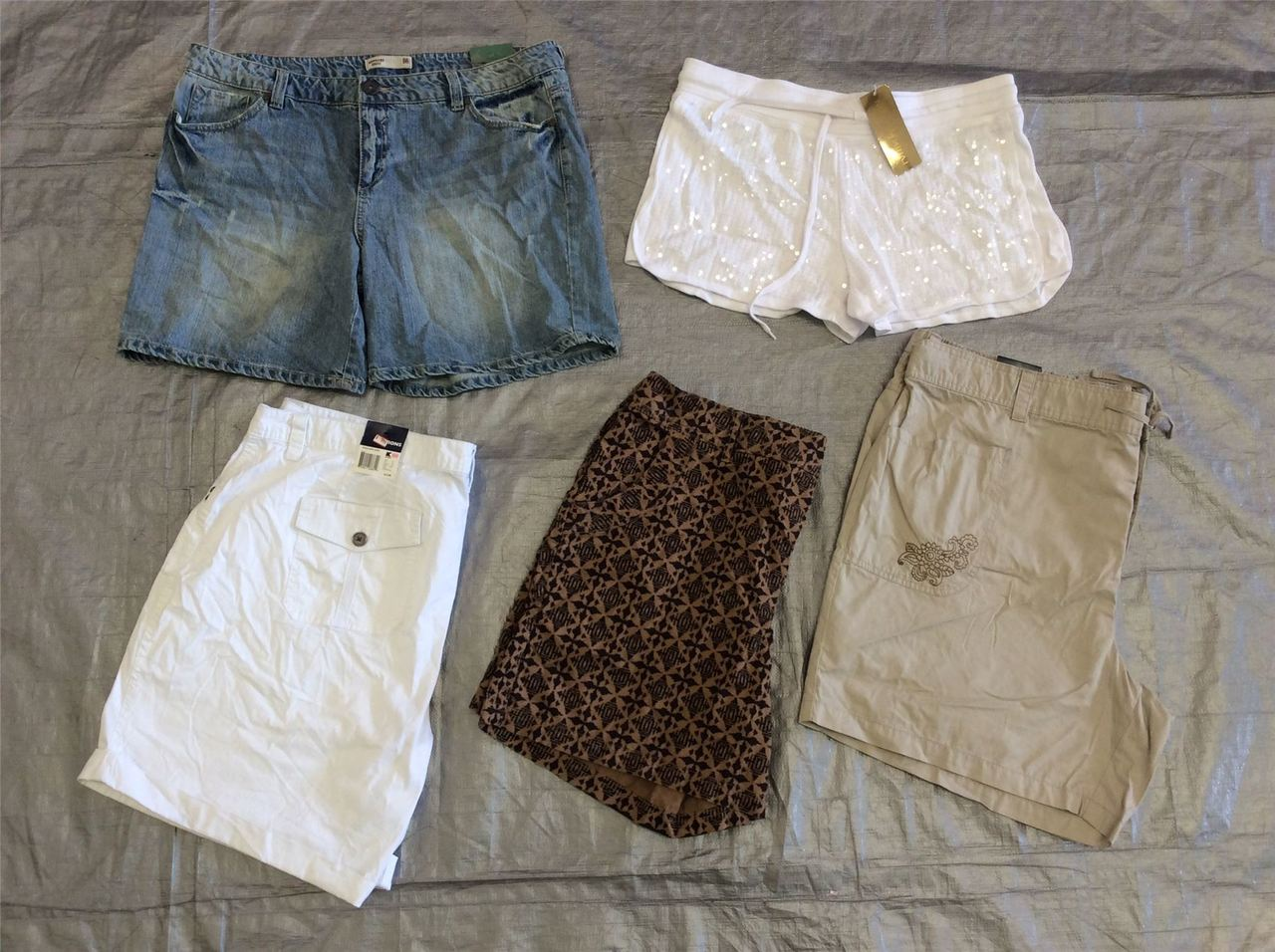 Wholesale Lot of Assorted Brand New Plus Size XL-4X Womens CLOTHING CLOTHING 100 Pieces