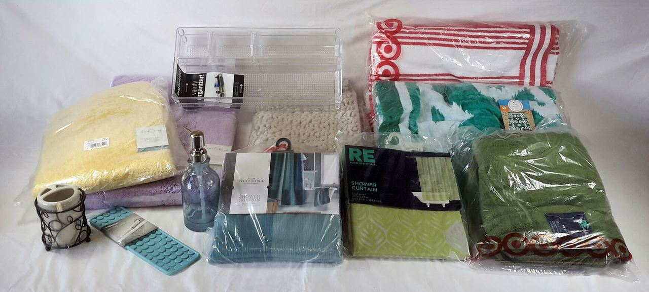 Wholesale Manifested Lot of 54 Bath Accessories curtains TOWELs rugs Brand New Overstock
