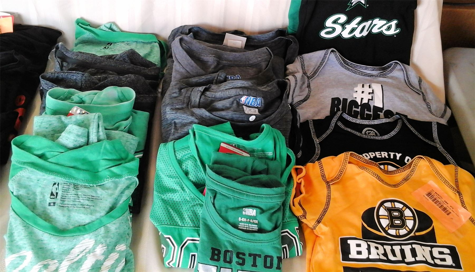 Wholesale Lot Sports Fan Apparel Memorabilia Boston Celtics Eagles Bruins Chicago Bulls NBA NCAA NHL